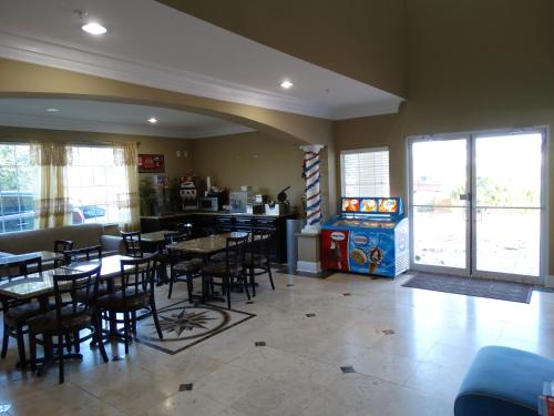 Americas Best Value Inn & Suites Baytown - San Jacinto Mall Photo