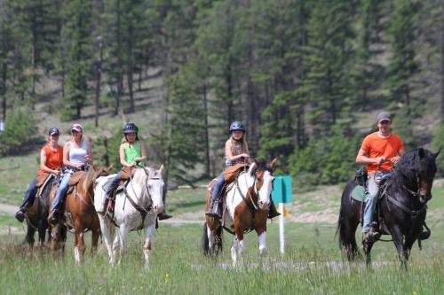 YD Guest Ranch Photo