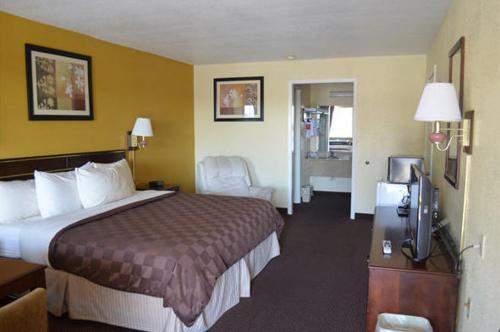 Americas Best Value Inn - Batesville Photo