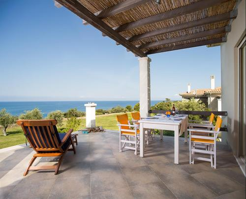 Ploes Villas - Skafidia Greece