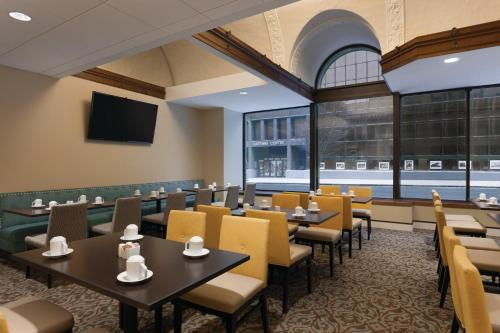 Hilton Garden Inn Rochester Downtown Photo