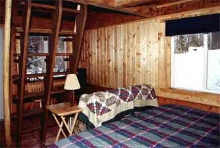 Daniels Lake Lodge Cabins Photo