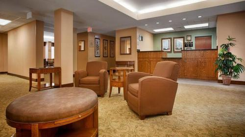 Best Western Plus Edison Inn Photo