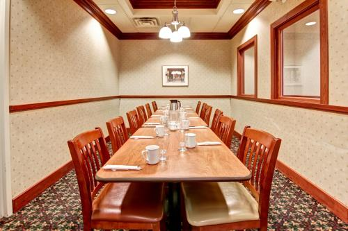 Best Western Plus Toronto North York Hotel & Suites photo 11