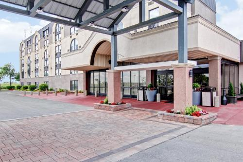 Best Western Plus Toronto North York Hotel & Suites photo 35