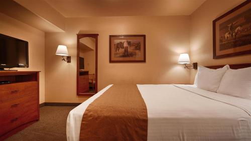 Best Western Desert Inn Photo
