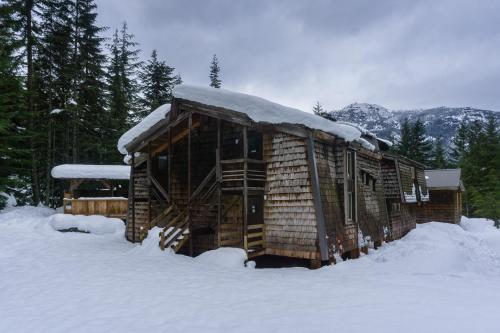 Whistler Lodge Hostel Photo