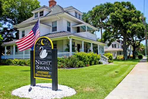 Night Swan Intracoastal Bed and Breakfast Photo