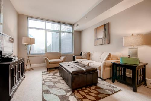Global Luxury Suites at Town Center North