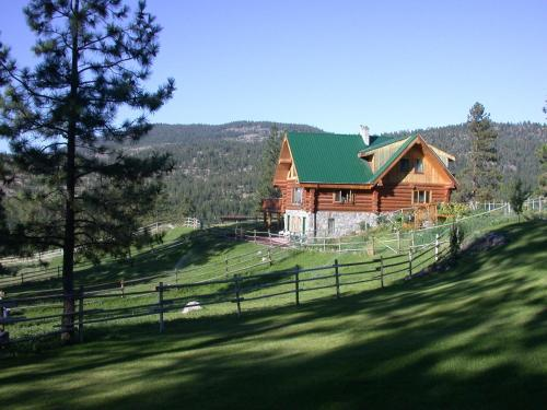 Wildhorse Mountain Guest Ranch Bed & Breakfast Photo