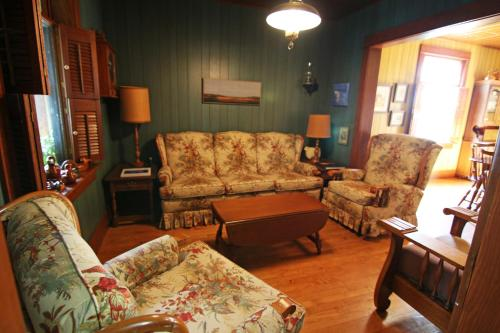 Fairmount Bed & Breakfast Photo