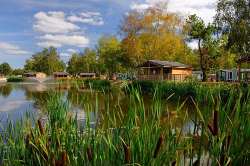 Le Village du Lac - Camping de Bordeaux Bruges