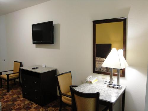 Sands Inn & Suites Photo