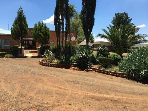 Molengoane Lodge, Roma