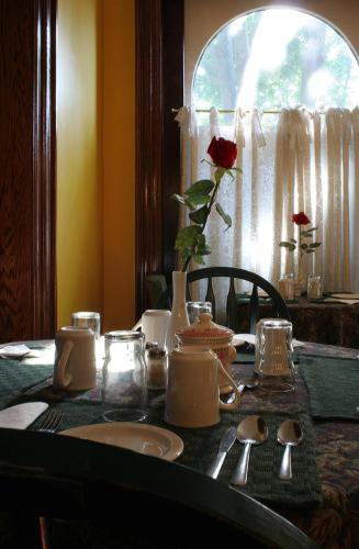 Bonnevue Manor Bed & Breakfast Photo