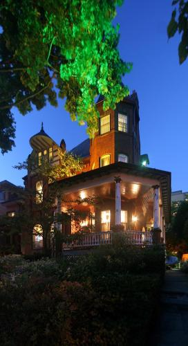 Bonnevue Manor Bed & Breakfast - toronto -