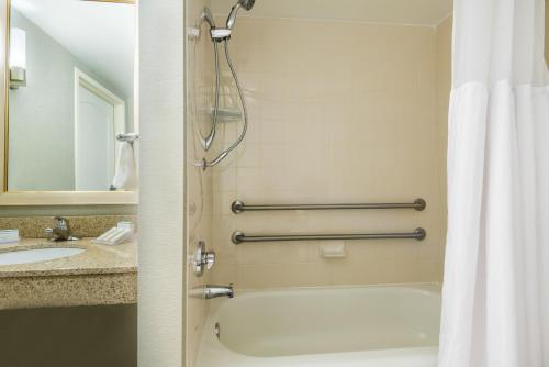 Hilton Garden Inn Orlando International Drive North photo 17