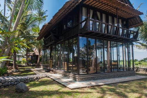 Most Exotic Beachfront Villa Keong - tabanan -