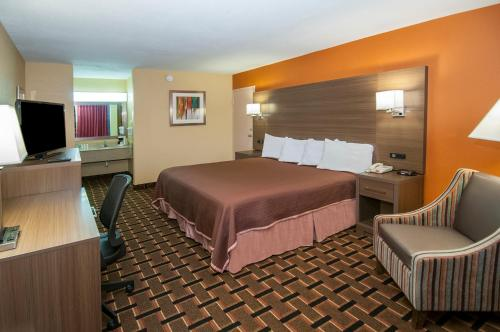 Howard Johnson Inn Conway - Conway, AR 72032