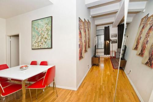 Luxury Three Bedroom Apartment on Park Ave & 31st Street - Midtown East Photo