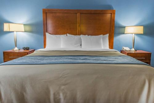 Comfort Inn Belle Vernon Photo