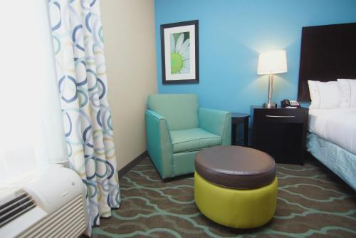 Holiday Inn Express Hotels & Suites Cuero Photo