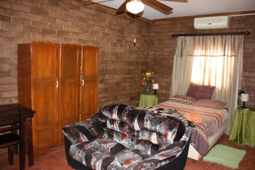Mopanie Guesthouse Photo