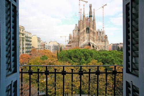 BarcelonaForRent Plaza Sagrada Familia Apartment photo 19