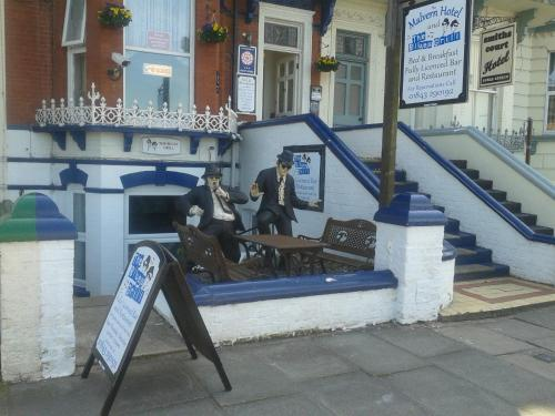 The Malvern Guesthouse & The Blues Grill (B&B)