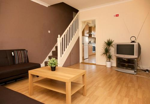 Photo of Purley Place Apartments Self Catering Accommodation in Purley London