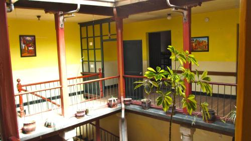 Sunshine Quito Hostel Photo