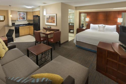 Residence Inn Toronto Downtown / Entertainment District photo 2