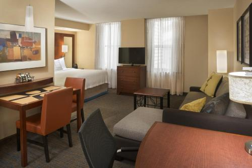 Residence Inn Toronto Downtown / Entertainment District photo 16