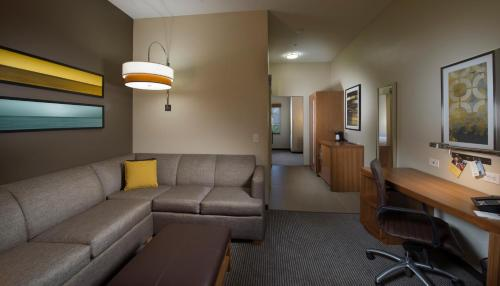 Hyatt Place Savannah Airport Photo
