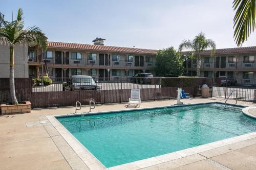 Regency Inn - Norco, CA 02860