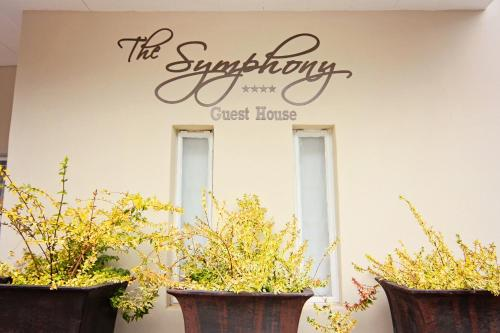 The Symphony Guest House Photo