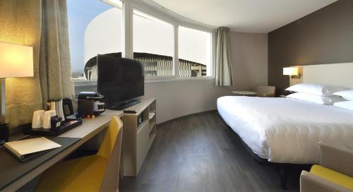 AC Hotel by Marriott Marseille Vélodrome, A Marriott Luxury & Lifestyle Hotel - marseille -