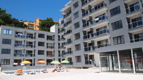 Europroperties Yalta Apartments, Золотые пески