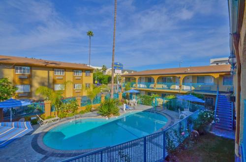 Hollywood City Inn - Los Angeles, CA 90027