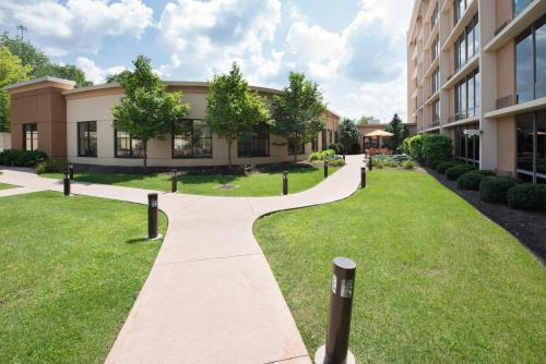 Courtyard by Marriott Canton Photo