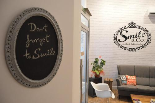 Hotel Smile & Co Hostal Boutique thumb-4