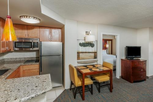 Residence Inn Orlando Airport Photo