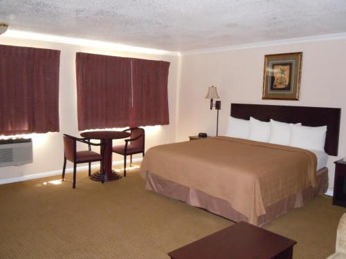 Quality Inn And Suites Thousand Oaks - Thousand Oaks, CA 91360