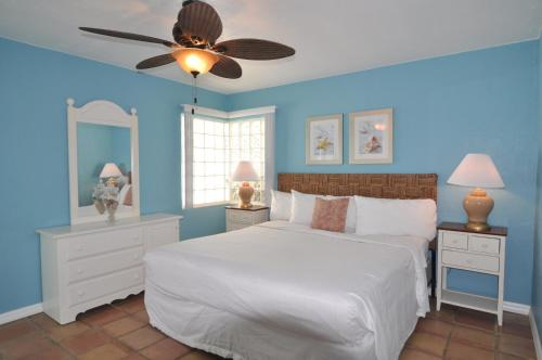Lido Islander Inn and Suites - Sarasota Photo