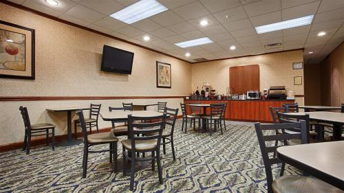 Best Western - Savannah Gateway - Savannah, GA 31419