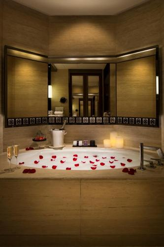 The Ritz-Carlton Hong Kong photo 28