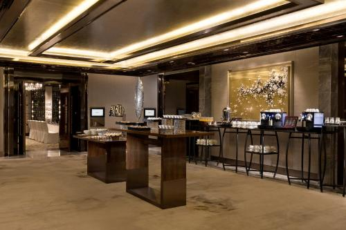 The Ritz-Carlton Hong Kong photo 52