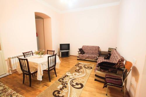Apartment On Sheih Shamilia, Baku