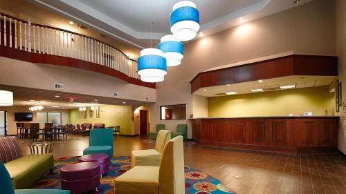 Best Western McDonough Inn & Suites Photo