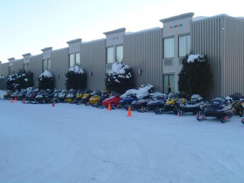 Howard Johnson Inn and Suites Miramichi Photo